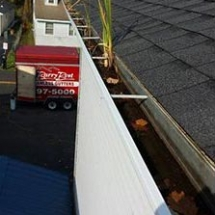 seamless-gutters-replacement-before-1